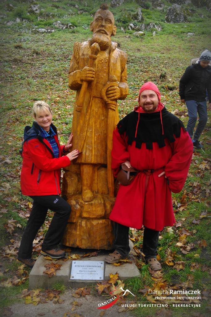 Świętokrzyski Przewodnik Danuta Ramiączek | Pod zamkiem w Chęcinach